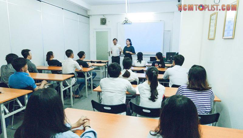 nhat-ngu-hikari-academy-hcmtoplist