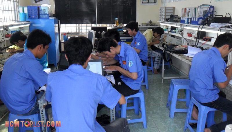 truong-day-nghe-hpcom-viet-nam-hcmtoplist
