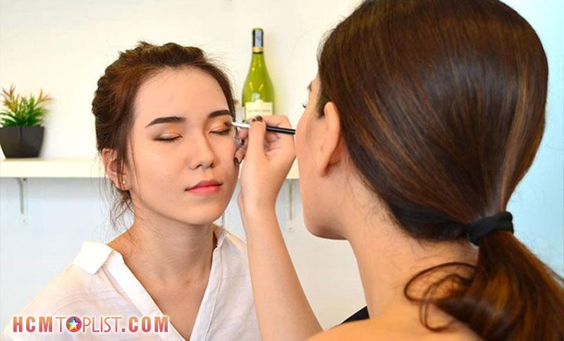 diva-makeup-hcmtoplist