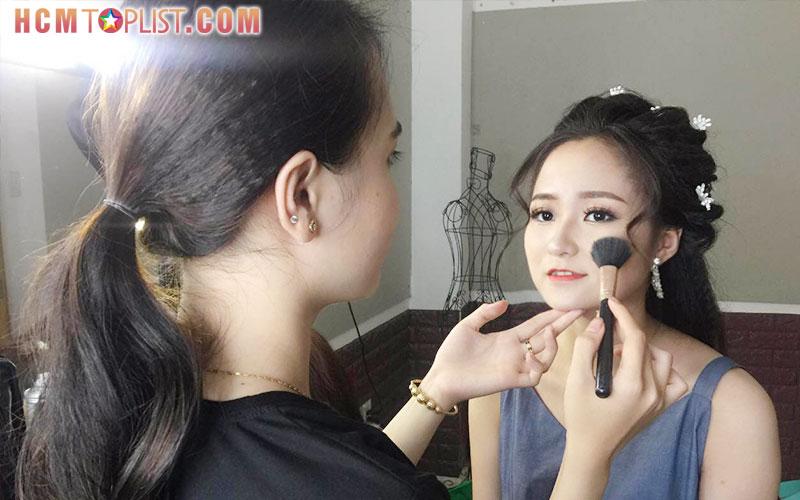 hoa-hong-makeup-hcmtoplist