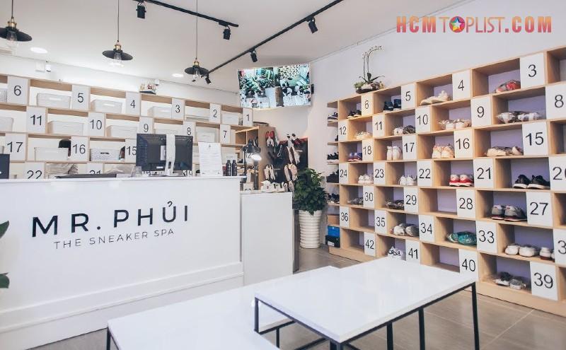 mr-phui-the-sneaker-spa