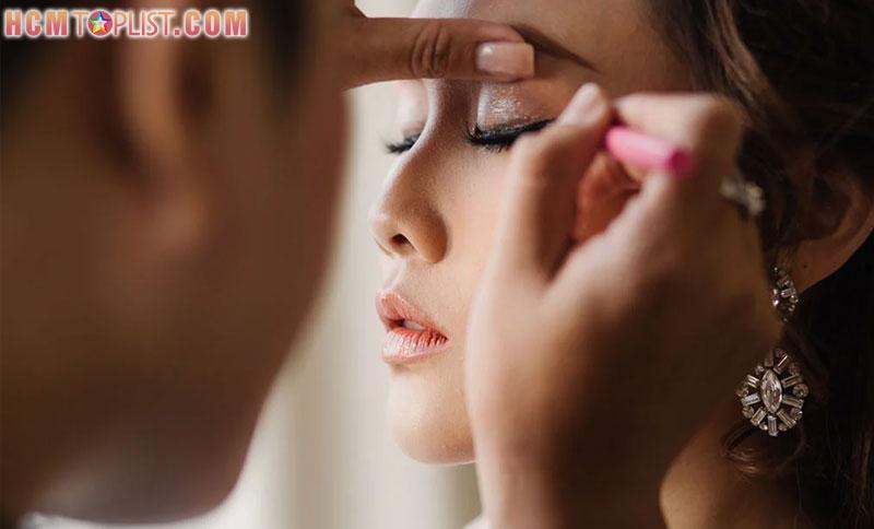 nhi-poli-make-up-hcmtoplist