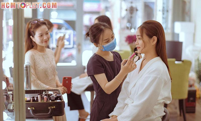 phuc-nguyen-make-up-store-hcmtoplist