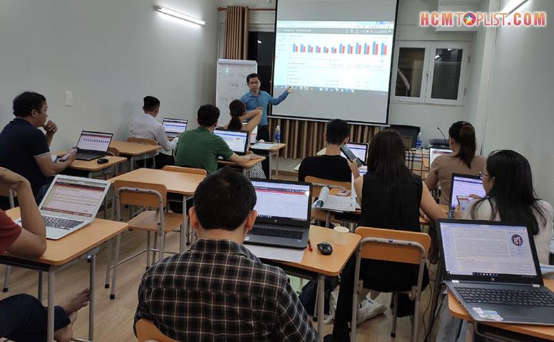 dgm-viet-nam-trung-tam-day-hoc-marketing-online-uy-tin-tai-tphcm-hcmtoplist