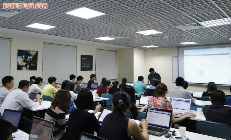trung-tam-dao-tao-digital-marketing-first-one-hcmtoplist-1