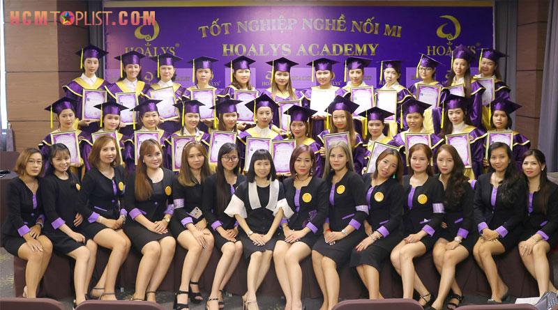 hoalys-academy-day-noi-mi-quoc-te-tai-tphcm-hcmtoplist