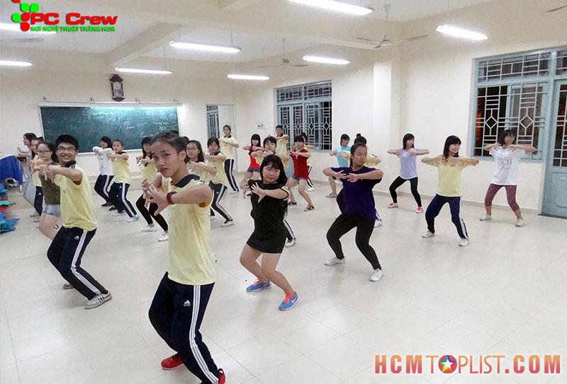 hoc-vien-pc-crew-hcmtoplist