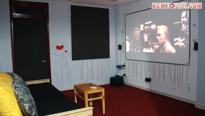 phong-phim-tra-sua-hachi-cinema-hcmtoplist