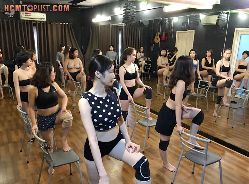 vdance-studio-hoc-nhay-hien-dai-quan-11-tphcm-hcmtoplist