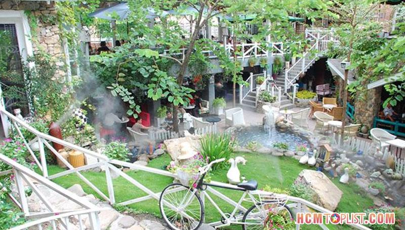 country-house-cafe-hcmtoplist
